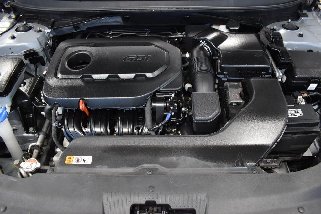 2017 Hyundai Sonata 2.4L - 18497654 - 24