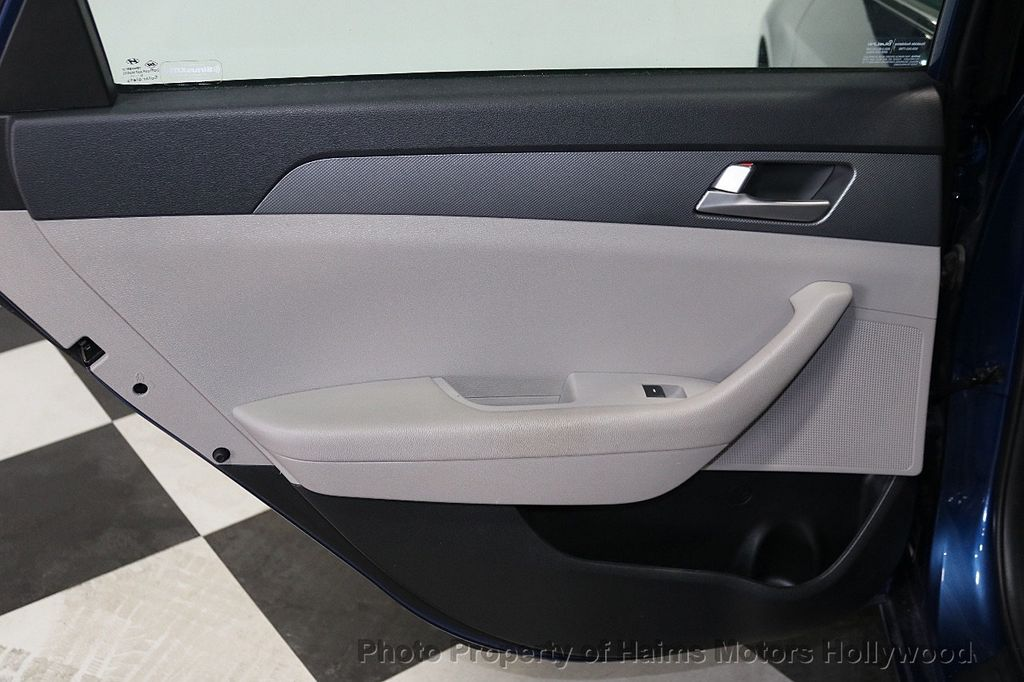 2017 Hyundai Sonata 2.4L - 18116869 - 9