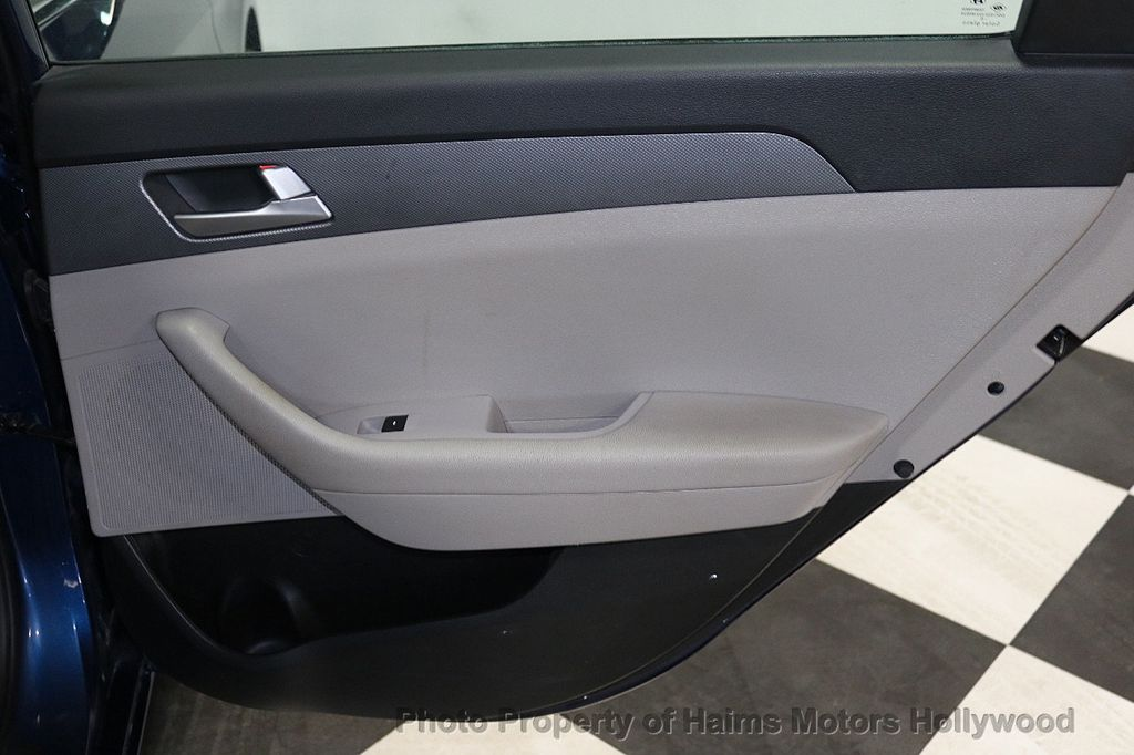 2017 Hyundai Sonata 2.4L - 18116869 - 10
