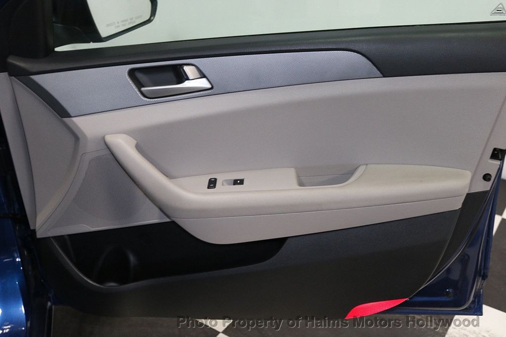 2017 Hyundai Sonata 2.4L - 18116869 - 11
