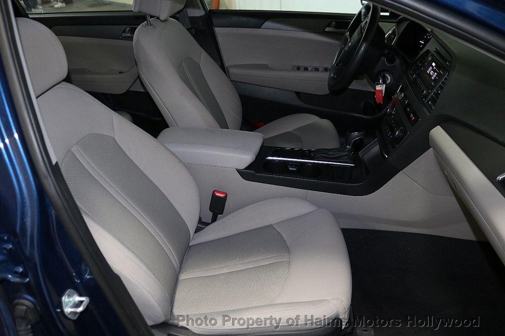 2017 Hyundai Sonata 2.4L - 18116869 - 12