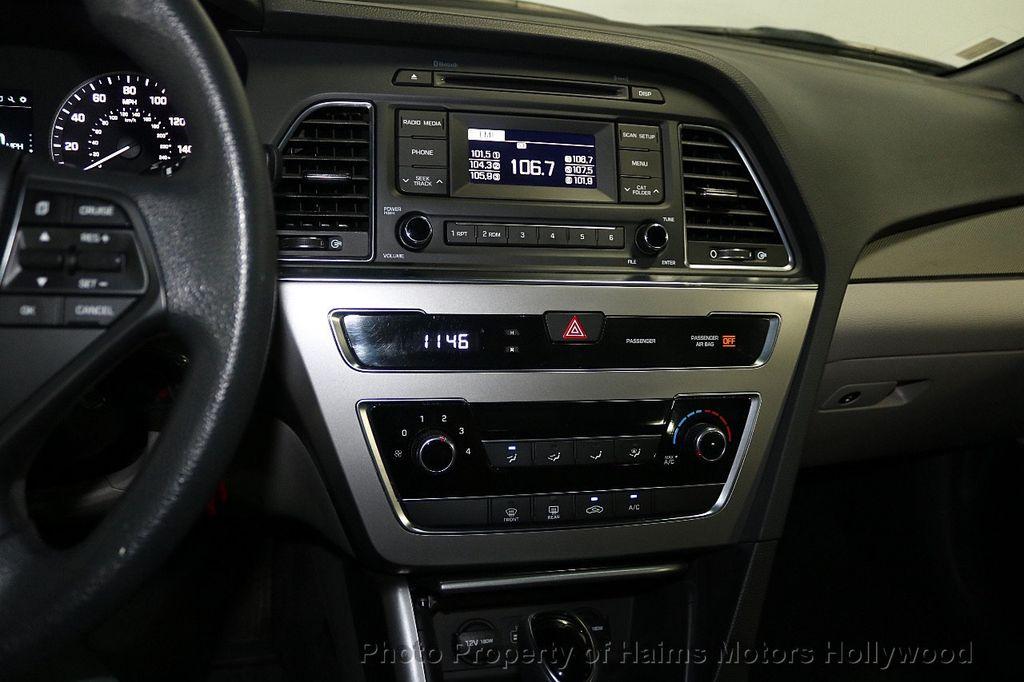 2017 Hyundai Sonata 2.4L - 18116869 - 17