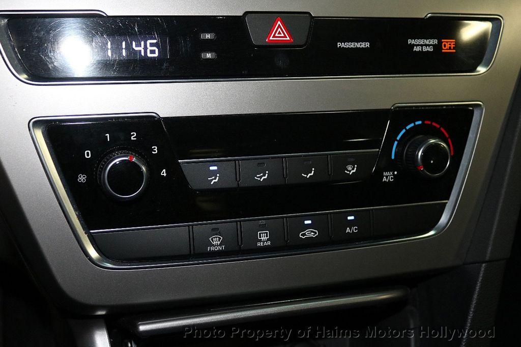 2017 Hyundai Sonata 2.4L - 18116869 - 19