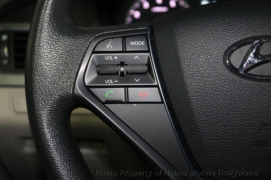 2017 Hyundai Sonata 2.4L - 18116869 - 22