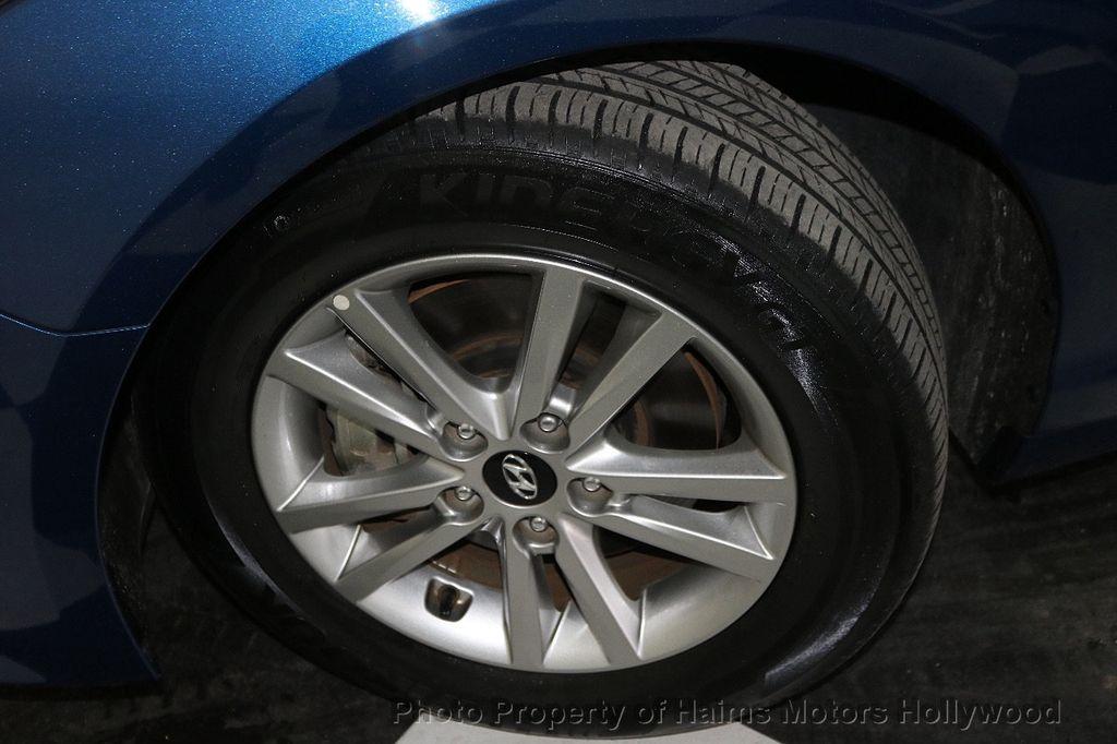 2017 Hyundai Sonata 2.4L - 18116869 - 27