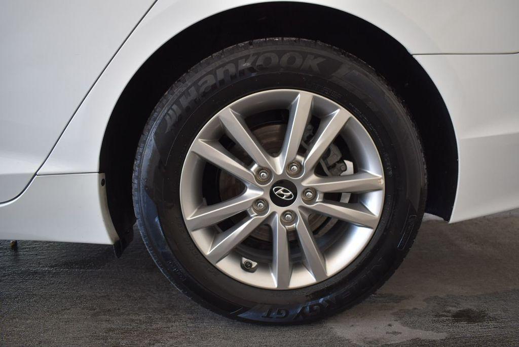 2017 Hyundai Sonata 2.4L - 18171089 - 10