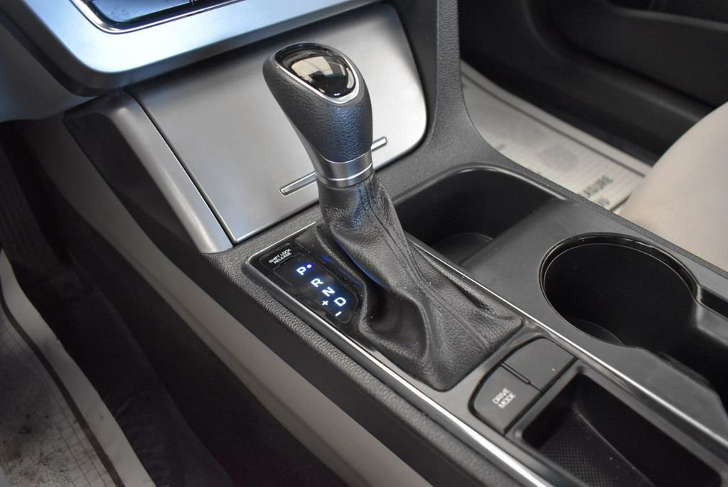 2017 Hyundai Sonata 2.4L - 18171089 - 21