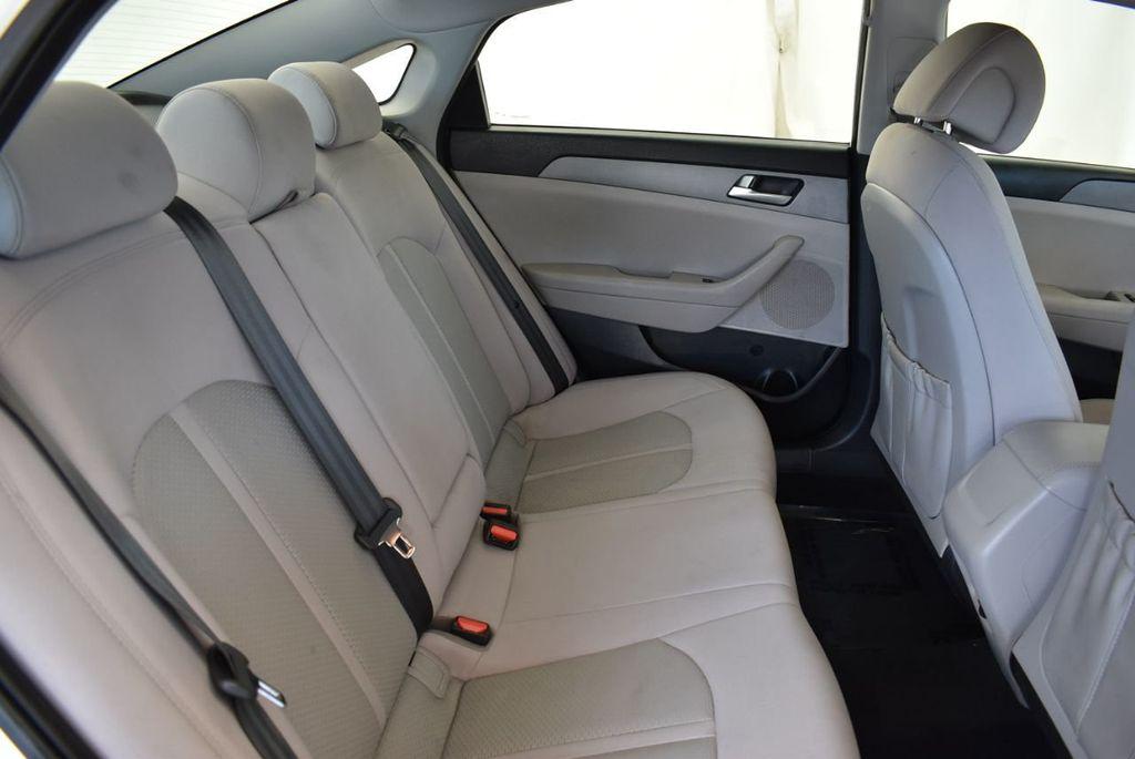 2017 Hyundai Sonata 2.4L - 18171089 - 22