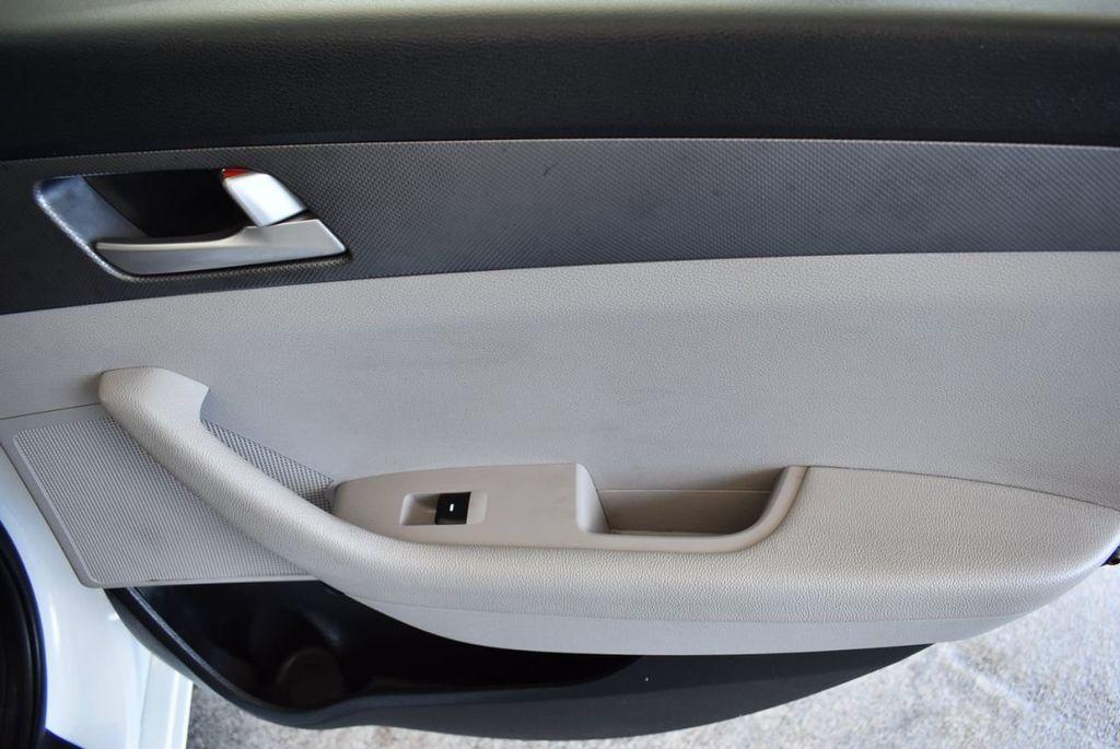 2017 Hyundai Sonata 2.4L - 18171089 - 23