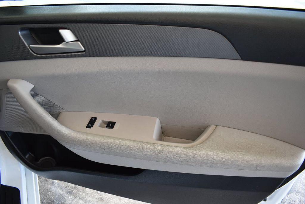 2017 Hyundai Sonata 2.4L - 18171089 - 24