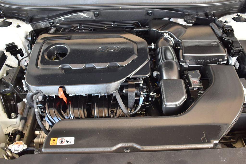 2017 Hyundai Sonata 2.4L - 18171089 - 26