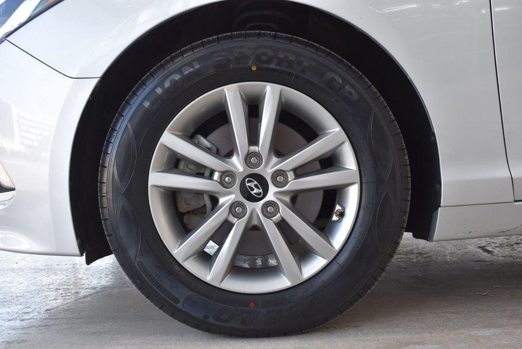 2017 Hyundai Sonata 2.4L - 18439610 - 11