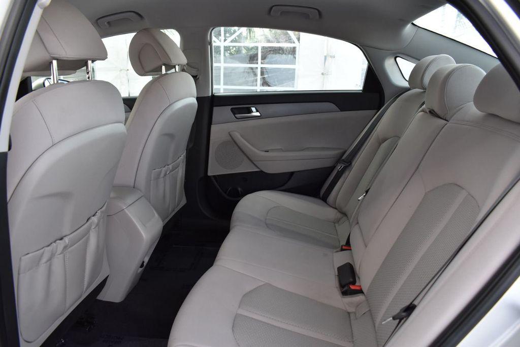 2017 Hyundai Sonata 2.4L - 18439610 - 12