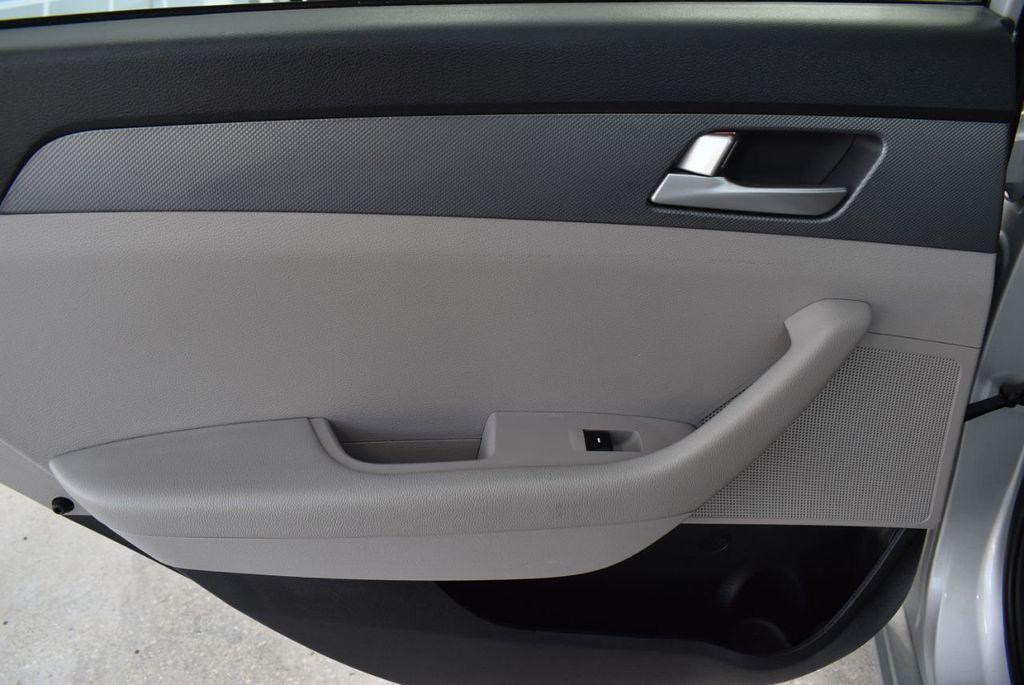 2017 Hyundai Sonata 2.4L - 18439610 - 13