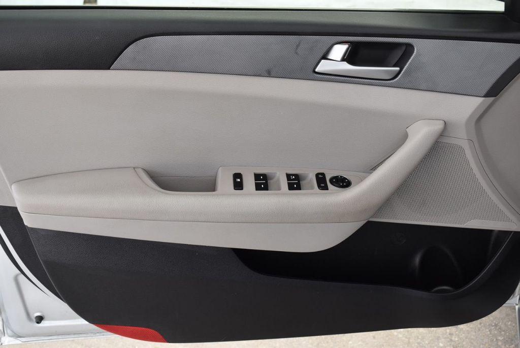 2017 Hyundai Sonata 2.4L - 18439610 - 14