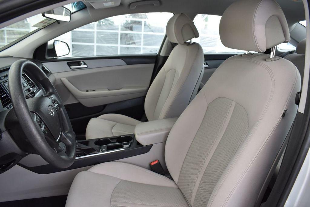 2017 Hyundai Sonata 2.4L - 18439610 - 15
