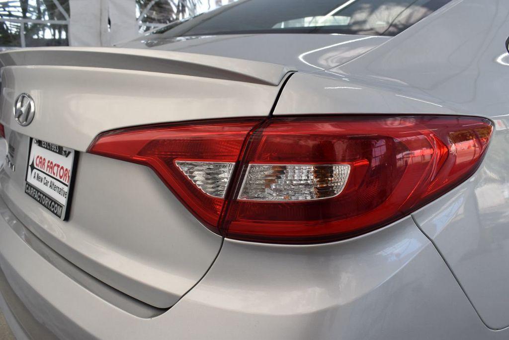 2017 Hyundai Sonata 2.4L - 18439610 - 1