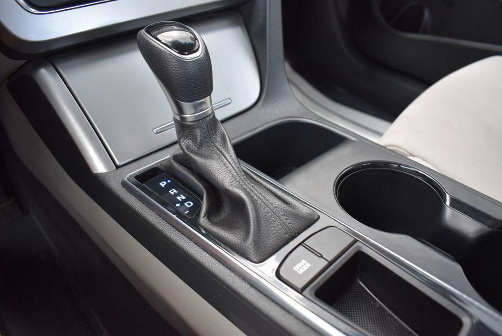 2017 Hyundai Sonata 2.4L - 18439610 - 21