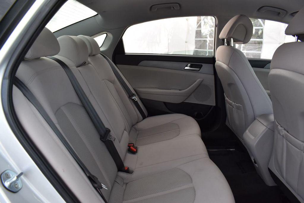 2017 Hyundai Sonata 2.4L - 18439610 - 22