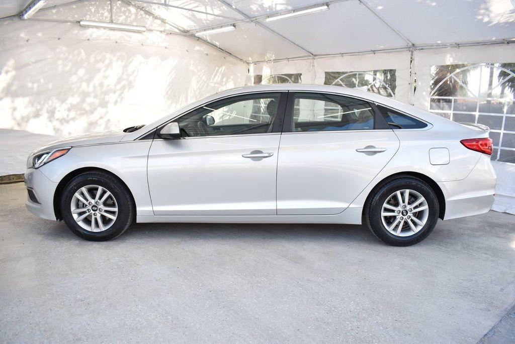 2017 Hyundai Sonata 2.4L - 18439610 - 4