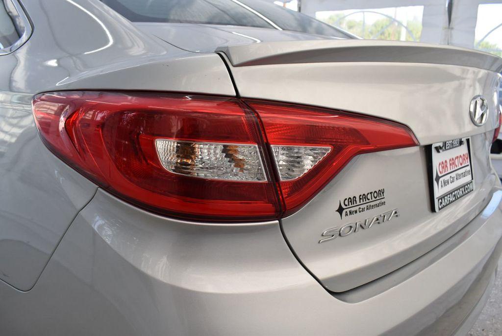 2017 Hyundai Sonata 2.4L - 18439610 - 6