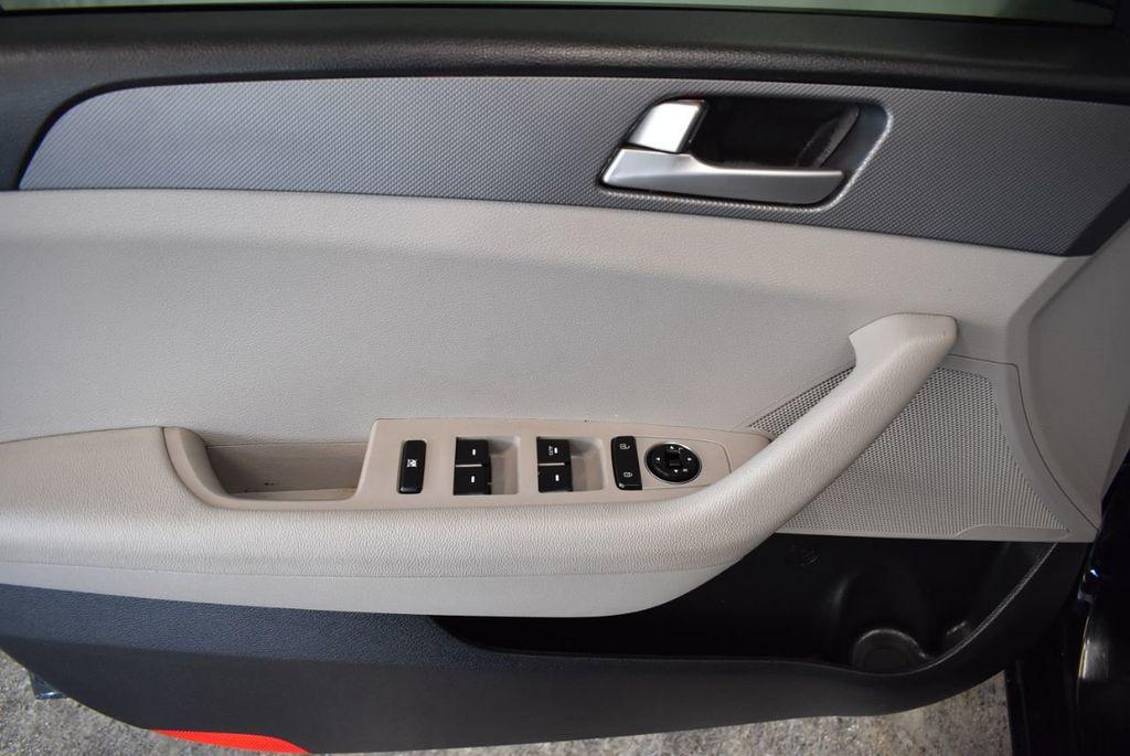 2017 Hyundai Sonata Limited 2.0T - 18211307 - 13