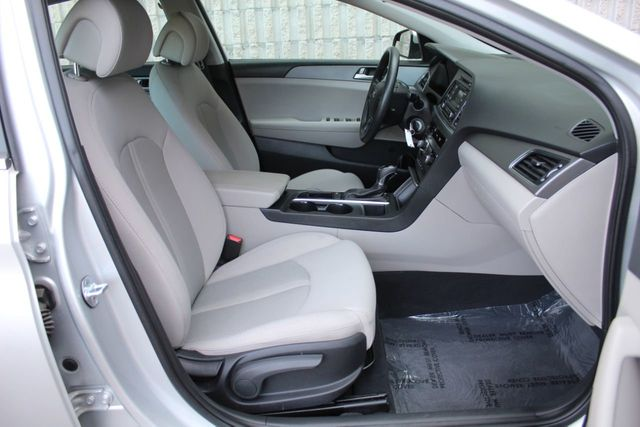 2017 Hyundai Sonata ONE OWNER  SEDAN - Click to see full-size photo viewer