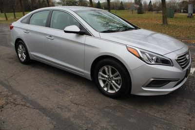 2017 Hyundai Sonata ONE OWNER W/ NEW TIRES Sedan