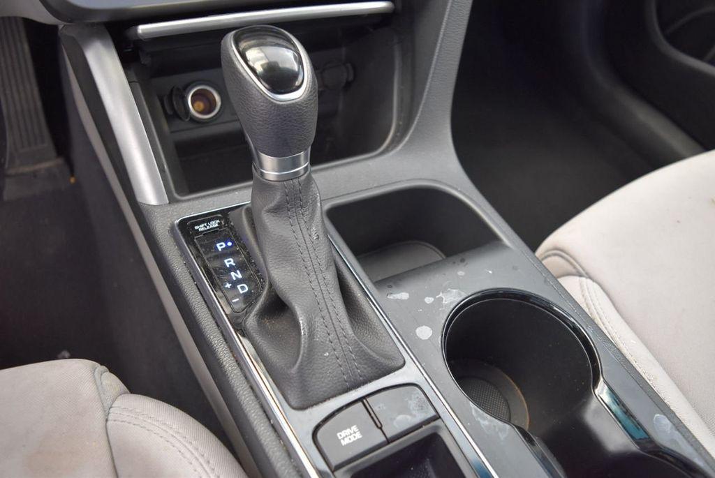 2017 Hyundai Sonata SE 2.4L - 17965854 - 11