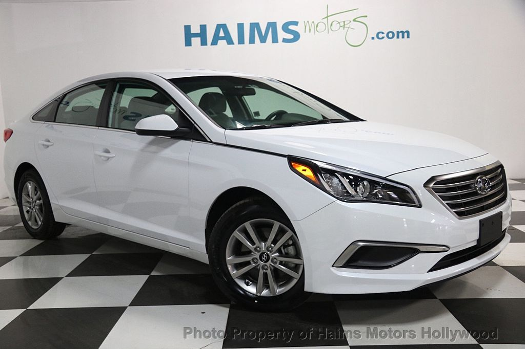 2017 used hyundai sonata se 2 4l at haims motors serving. Black Bedroom Furniture Sets. Home Design Ideas