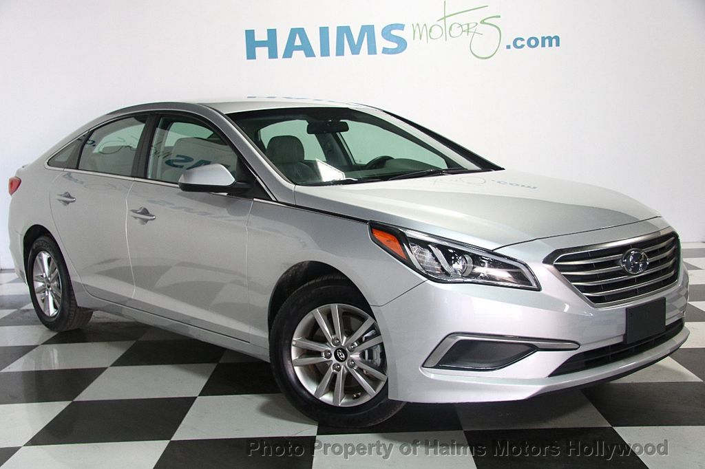 2017 hyundai sonata se 2 4l sedan for sale in hollywood fl 13 977 on. Black Bedroom Furniture Sets. Home Design Ideas