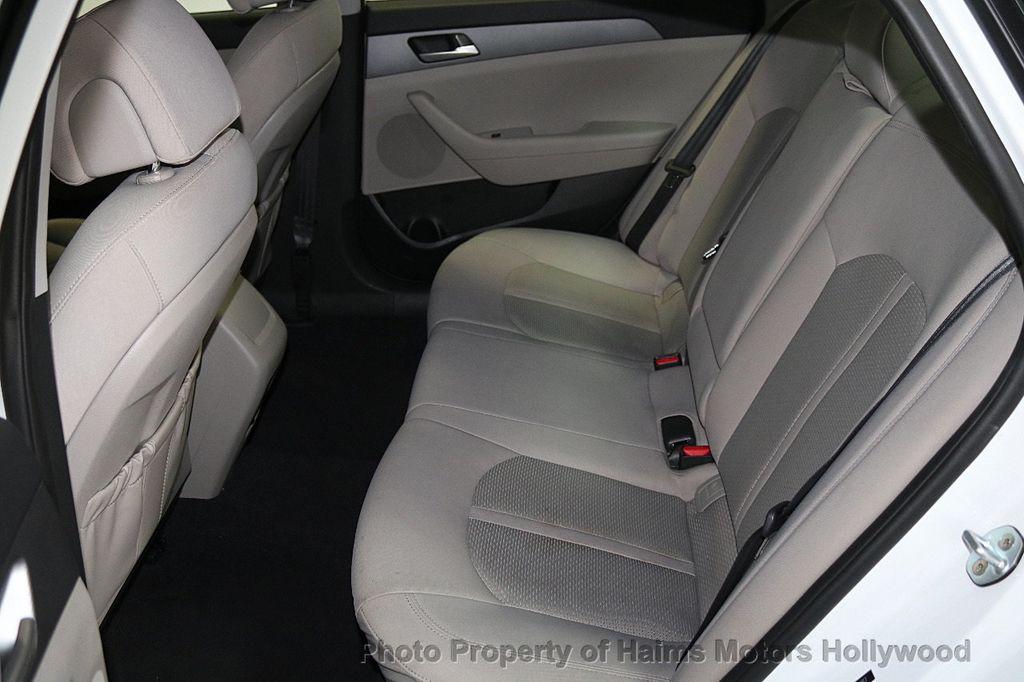 2017 Hyundai Sonata SE 2.4L - 17595324 - 15