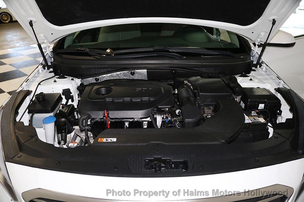 2017 Hyundai Sonata SE 2.4L - 17595324 - 30