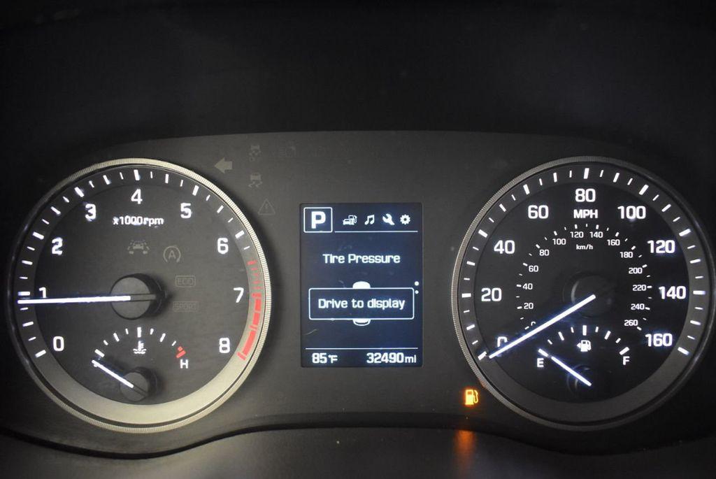 2017 Hyundai Tucson SE FWD - 18044369 - 16