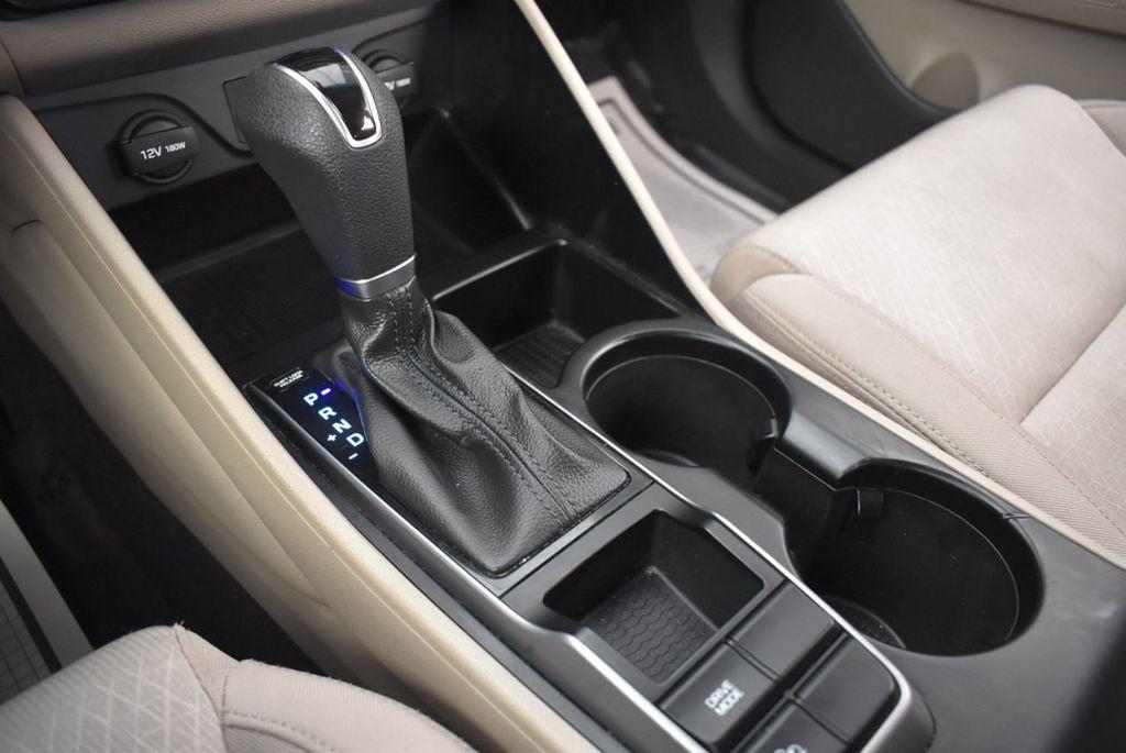 2017 Hyundai Tucson SE FWD - 18044369 - 22