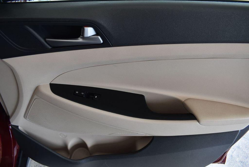 2017 Hyundai Tucson SE FWD - 18044369 - 26