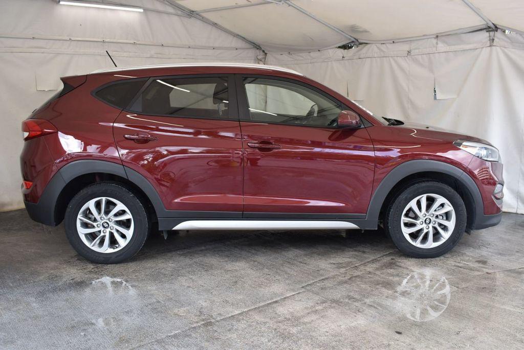 2017 Hyundai Tucson SE FWD - 18044369 - 2