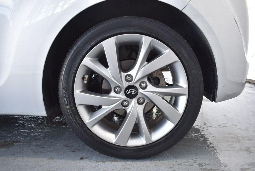 2017 Hyundai Veloster  - 18387264 - 9