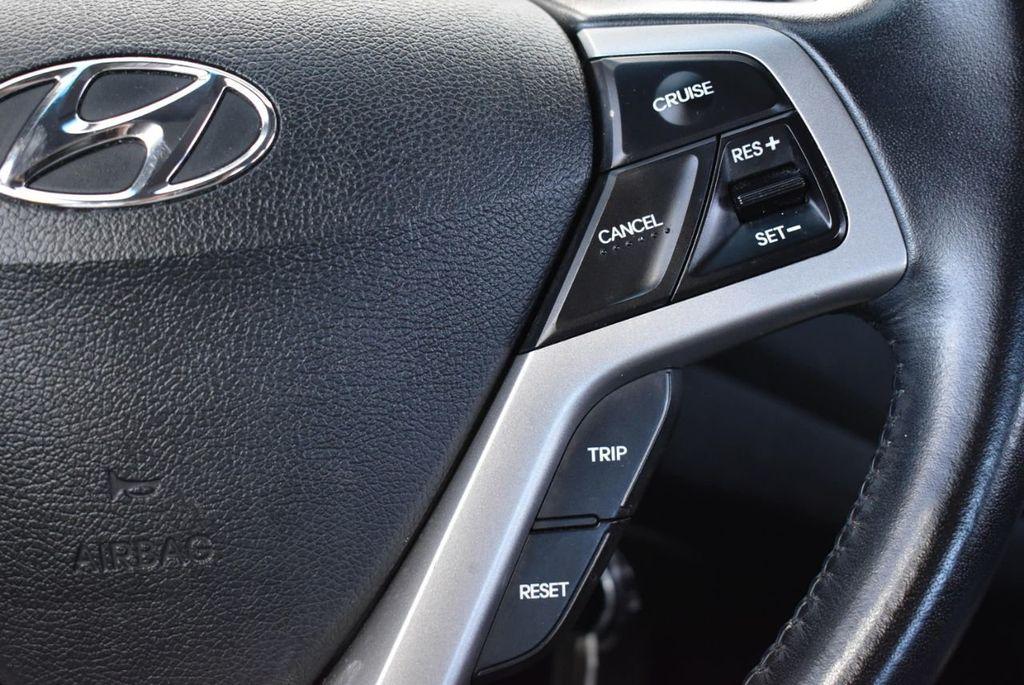 2017 Hyundai Veloster  - 18387264 - 16