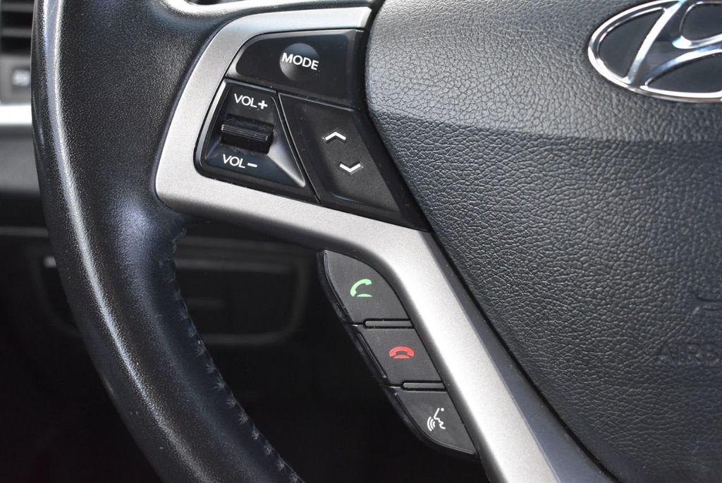2017 Hyundai Veloster  - 18387264 - 17