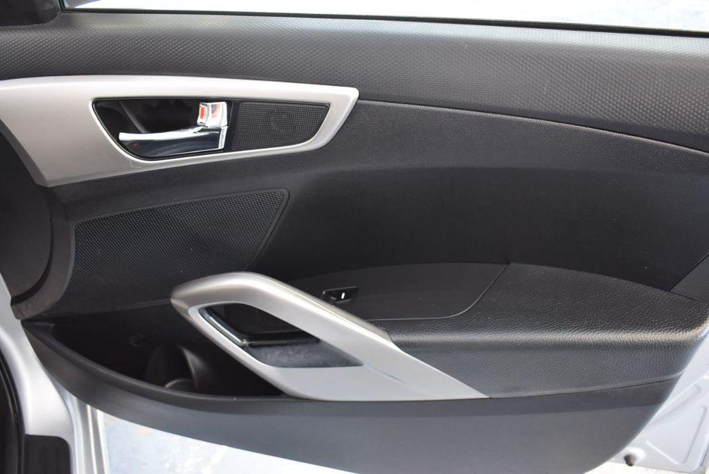 2017 Hyundai Veloster  - 18387264 - 22