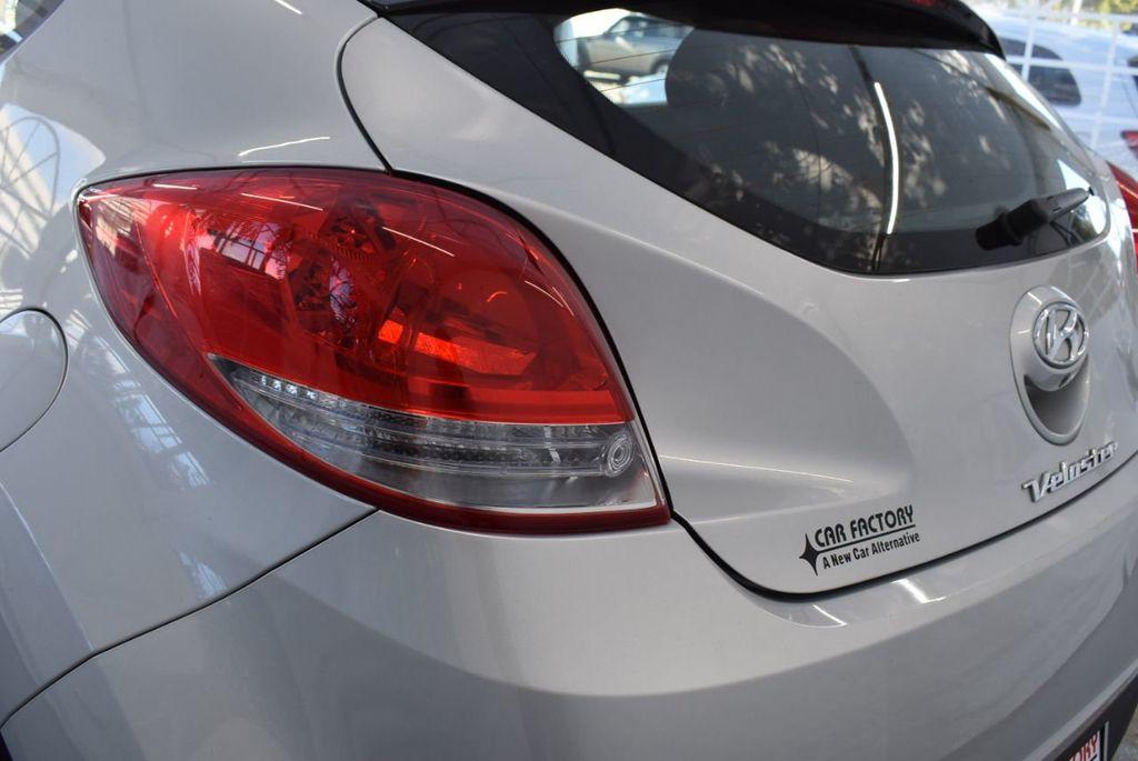 2017 Hyundai Veloster  - 18387264 - 25