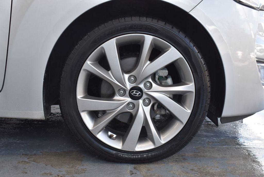 2017 Hyundai Veloster  - 18387264 - 7