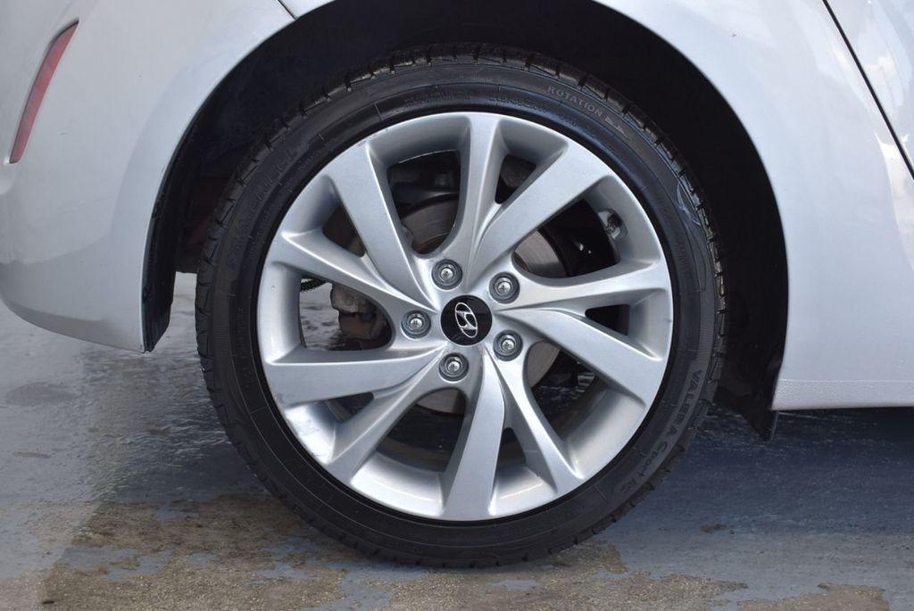 2017 Hyundai Veloster  - 18387264 - 8