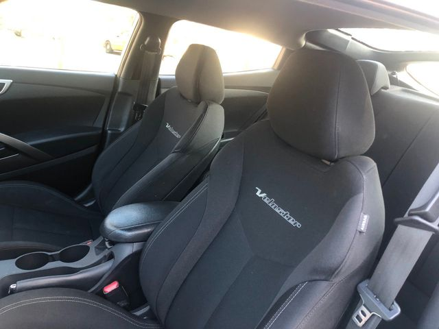 2017 Hyundai Veloster Dual Clutch - Click to see full-size photo viewer