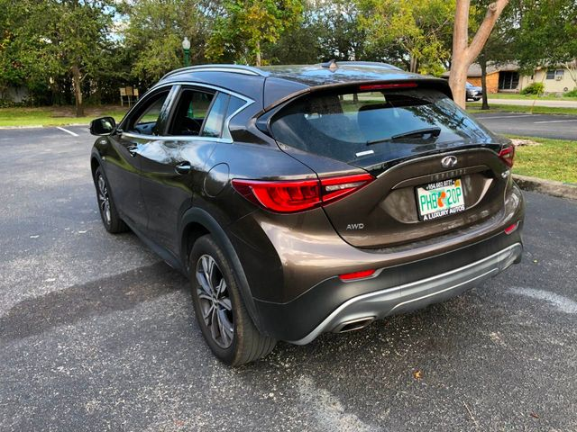 2017 INFINITI QX30 Luxury AWD - Click to see full-size photo viewer