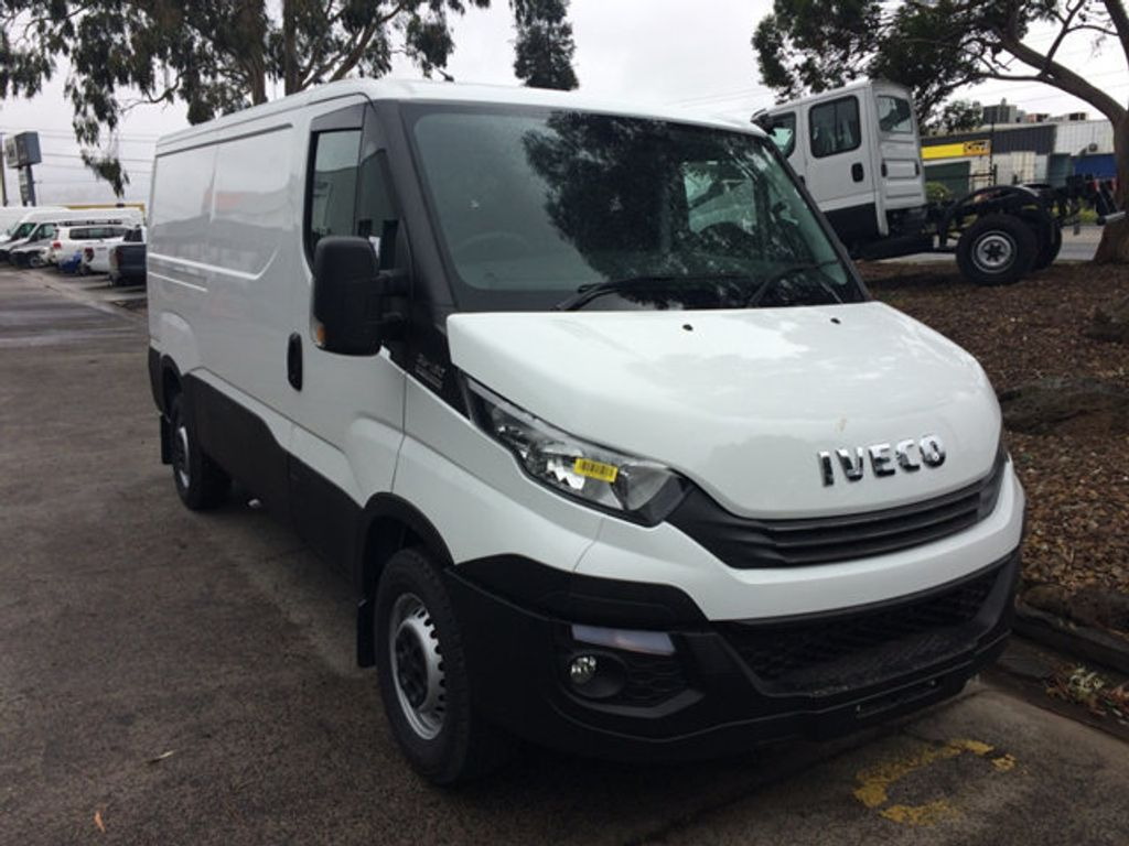 2017 Iveco DAILY  35S13A8V-9 Short wheel base - 18497684 - 0