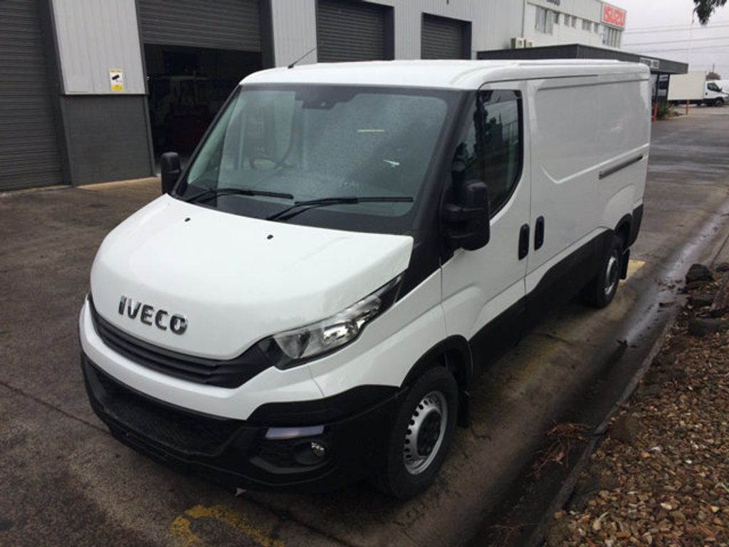 2017 Iveco DAILY  35S13A8V-9 Short wheel base - 18497684 - 3