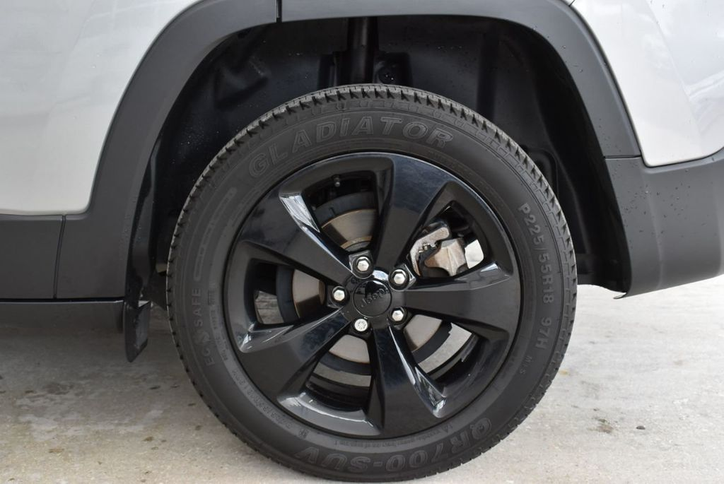 2017 Jeep Cherokee Altitude FWD - 18716095 - 9