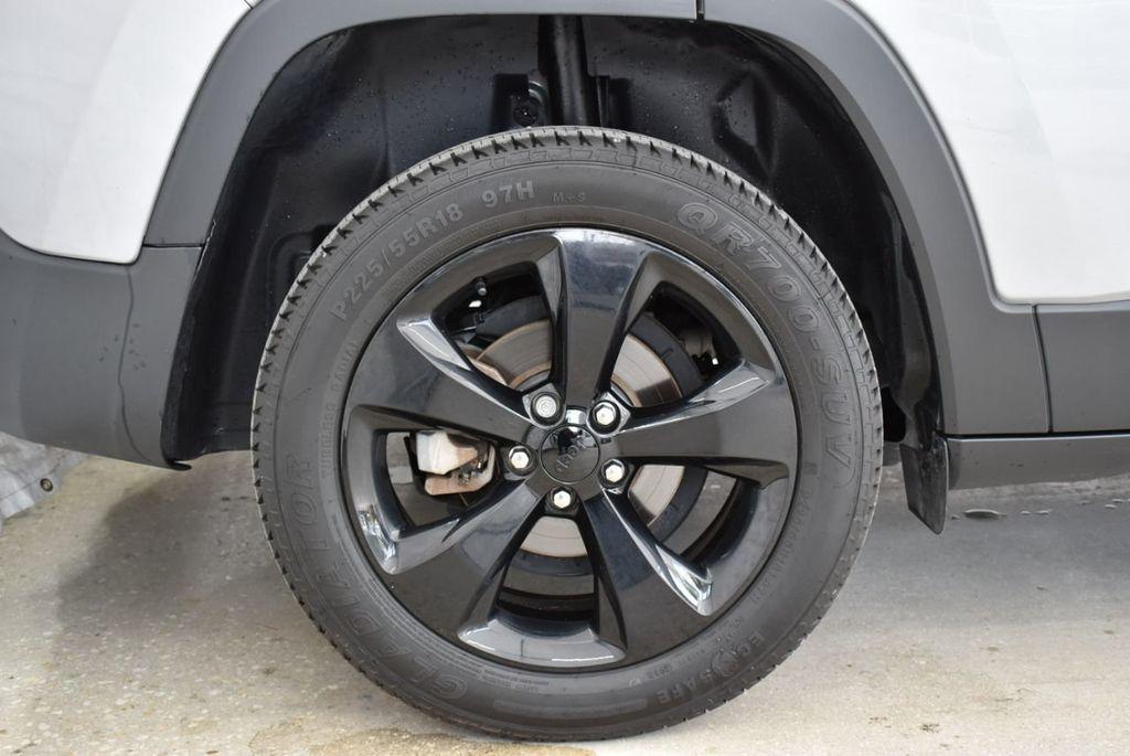 2017 Jeep Cherokee Altitude FWD - 18716095 - 10